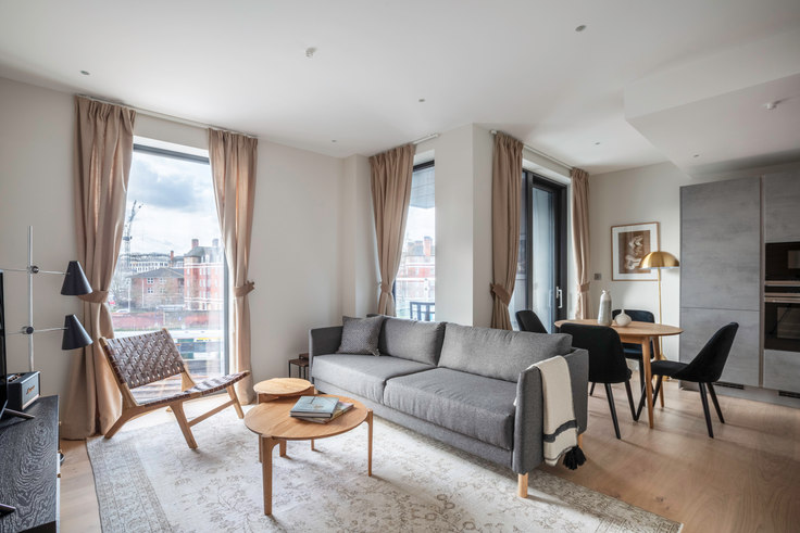 2 bedroom furnished apartment in Alie St 80, City of London, London, photo 1