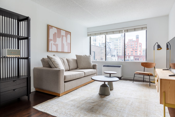 1 bedroom furnished apartment in Watermark LIC, 27-19 44th Dr 659, Long Island City, New York, photo 1